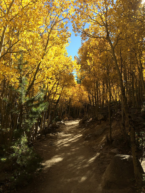Fall hike in Rocky Mountain National Park