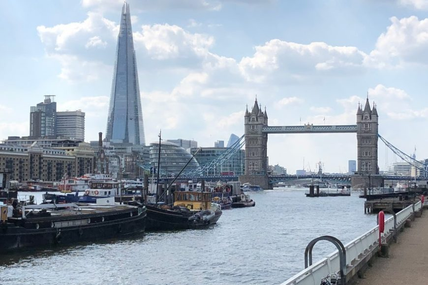 London and Thames River